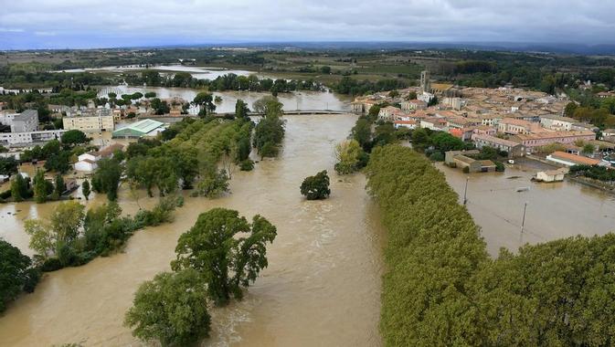 Inondations dans l'Aude - La catastrophe vue du ciel ...