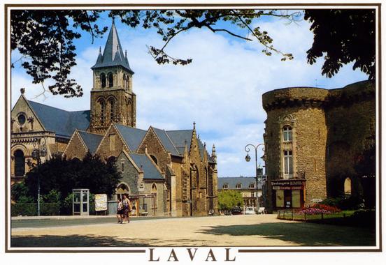 Photo à                                                           Laval (53000)                                                           : La                                                           Cathédrale et                                                           la Porte ...