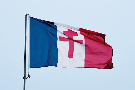 Pourquoi la croix de Lorraine incarne-t-elle la Résistance ...