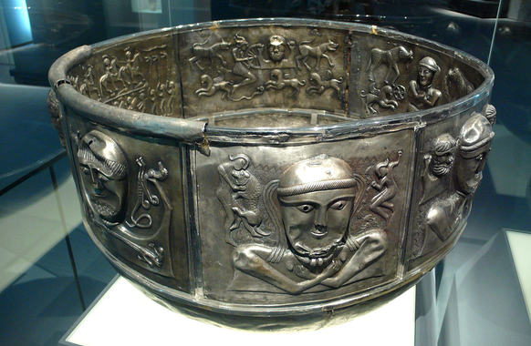 Gundestrup cauldron - Wikipedia