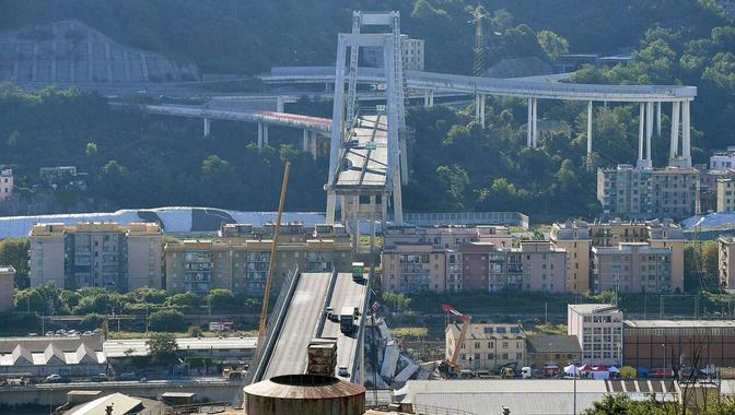 Effondrement du viaduc à Gênes. Le pont Morandi était-il ...