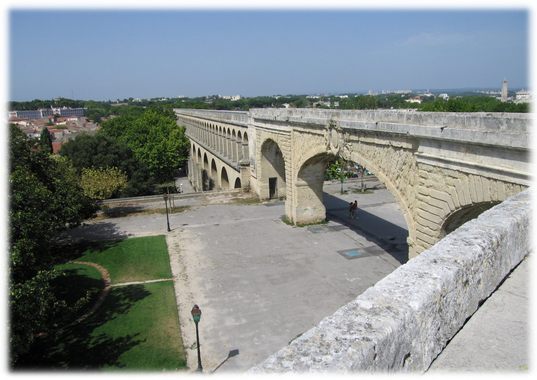 Photo à Montpellier (34000) : Aqueduc du Peyrou ...