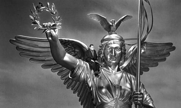 Wings of Desire (Der Himmel über Berlin)   dir. by Wim ...
