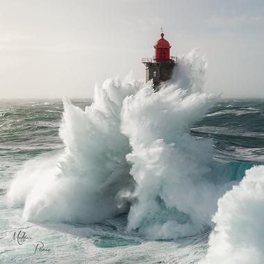 Tempête Ruzica au Phare de la Jument, Ouessant, Mer d ...