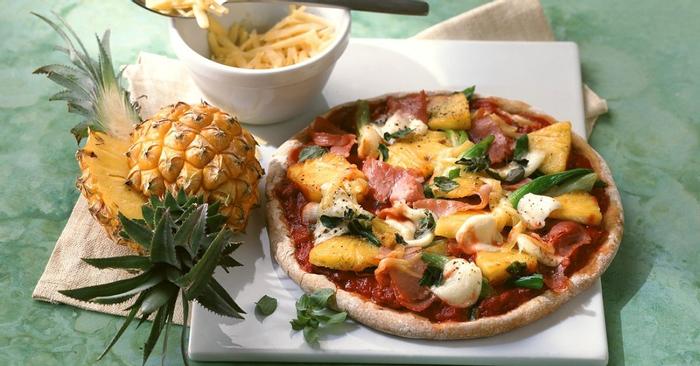 ananas-pizza-mit-schinken-200163.jpg?u=https%3A%2F%2Fimages.eatsmarter.de%2Fsites%2Fdefault%2Ffiles%2Fstyles%2Ffacebook%2Fpublic%2Fananas-pizza-mit-schinken-200163.jpg&q=0&b=1&p=0&a=1